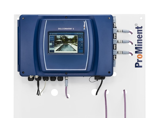 DULCOMARIN® 3 with touch display for simple operation with intuitive menu navigation. Simple calibration of the connected sensors with video support.