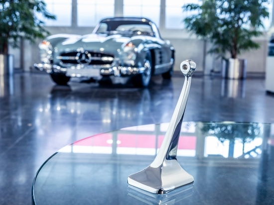 Mercedes-Benz is 3D printing replacement parts for its classic cars