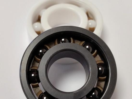Ceramic versus hybrid bearings