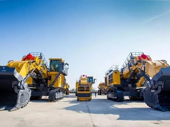 Heavy Machines Reached Australia