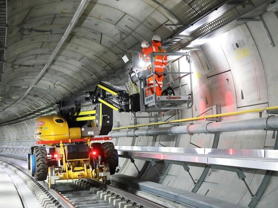 CRL is building the 100-km line from Reading and Heathrow, through tunnels under central London, east to Shenfield and Abbey Wood. - Photo courtesy Crossrail Ltd.