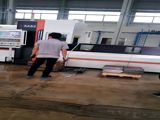 Price 1000w Stainless Steel Pipe Tube Fiber Laser Cutting Machine