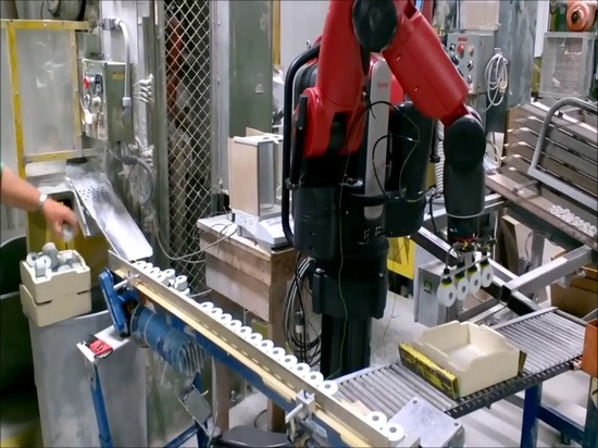 Baxter Robot Helps with Packaging at Du-Co Ceramics