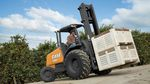 empilhadeira a diesel / com operador sentado a bordo / para área externa / de 4 rodas