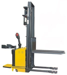 electric-stacker-truck