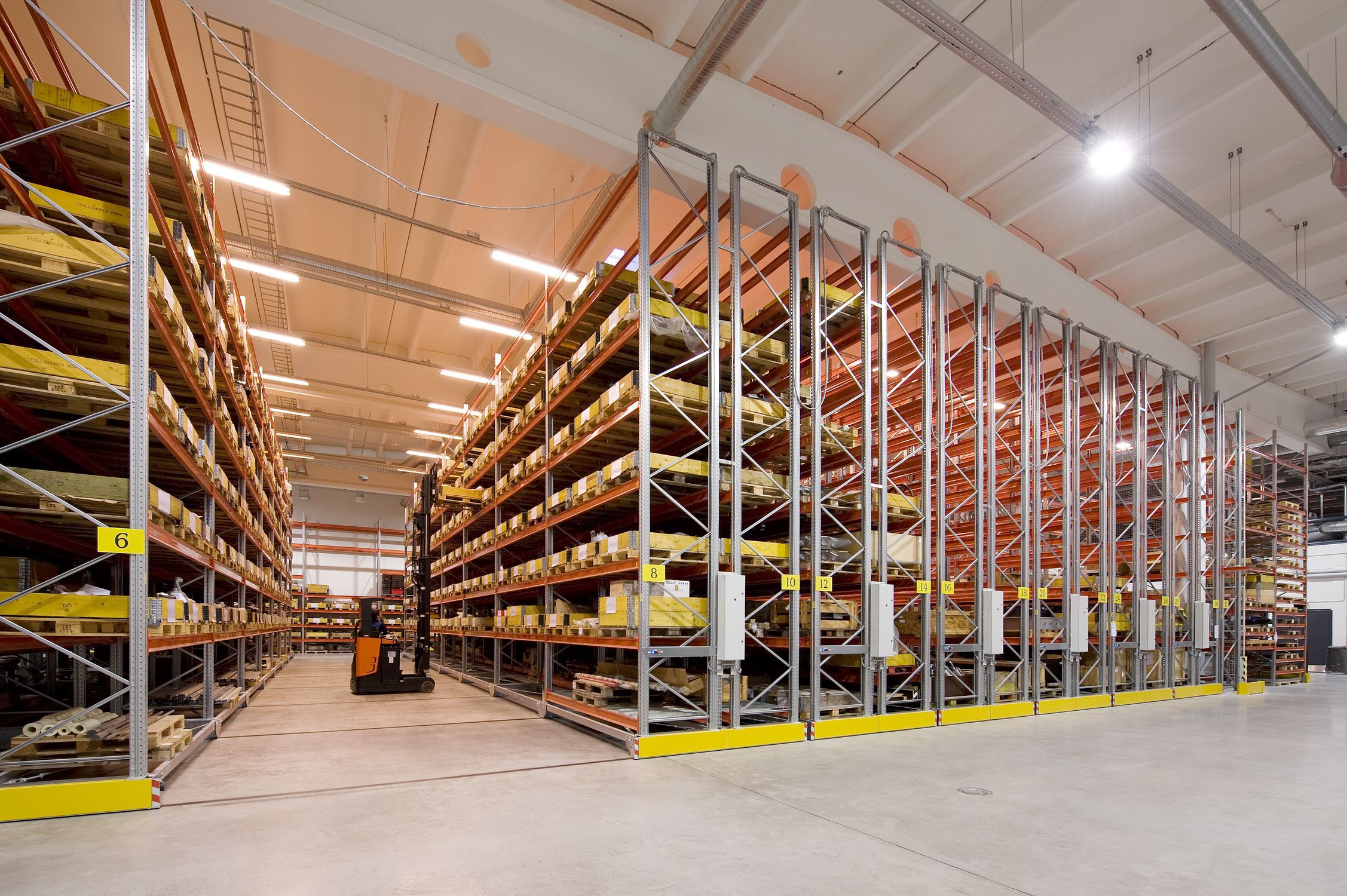 Pallet Shelving Storage Warehouse For Heavy Loads