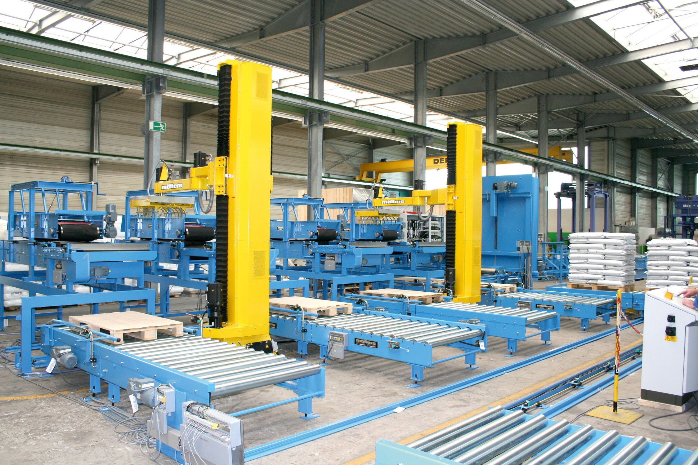 Robotic palletizer and depalletizer / Cartesian