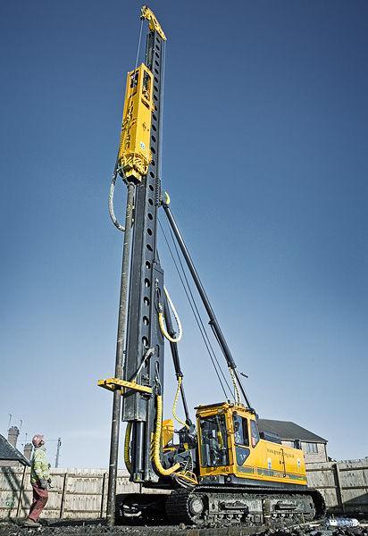 Pile-driving hammer - 68 000 kg | PMx24 - Junttan Oy