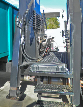 Truck-mounted crane / luffing jib / materials handling / for