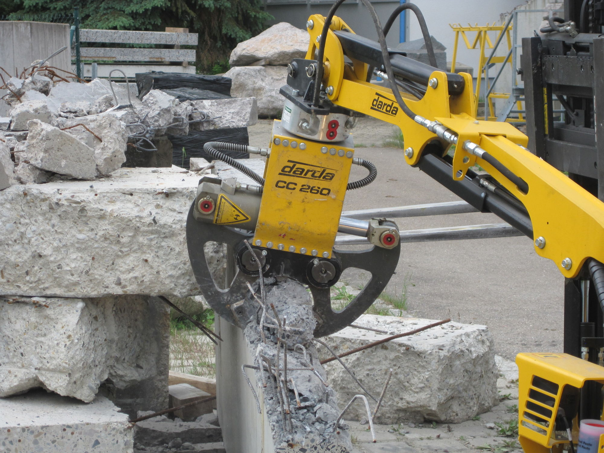 Hydraulic demolition shears / concrete - 0 9 t | CC260
