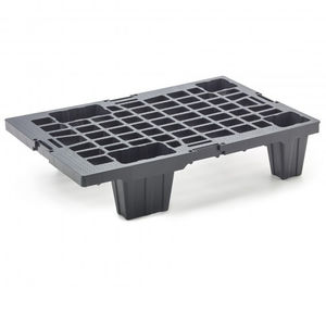 recycled plastic quarter-size pallet