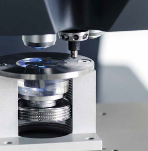 Knoop/Vickers hardness tester