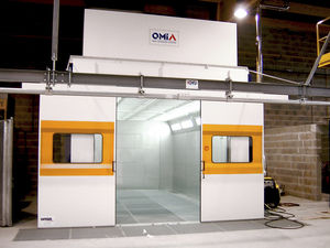 spray washing tunnel / overhead conveyor / surface treatment