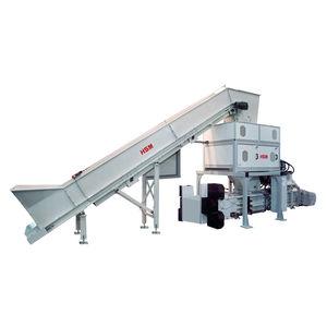 plastic shredder / for cardboard / four-shaft / rugged