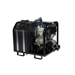 hot water cleaner / with combustion engine / mobile / trailerable