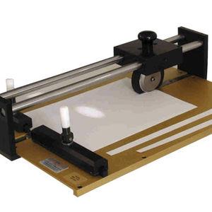 paper cutting device
