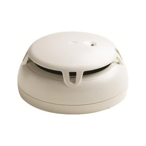 smoke detector for fire safety applications