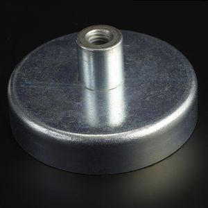 ferrite magnet / flat pot holding / with internal thread