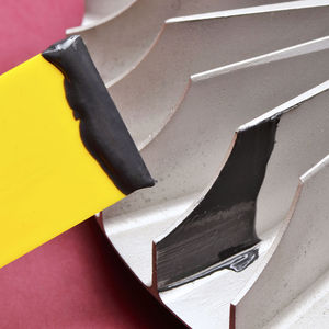 metal-filled epoxy resin