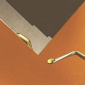 low outgassing adhesive / epoxy / for metal / for ceramics