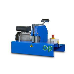 rubber cutting machine / rotary blade / for hoses / compact