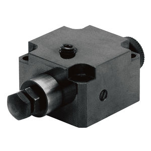 mechanical workholding component / steel / workpiece / machining