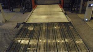 pallet conveyor / belt / stationary / plate