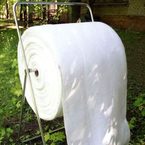 roll absorbent / for petroleum-based products / oil / for hydrocarbons