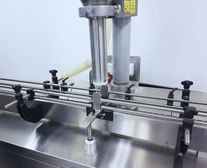 filling machine for the food industry / for the pharmaceutical industry / for granulates / for powders
