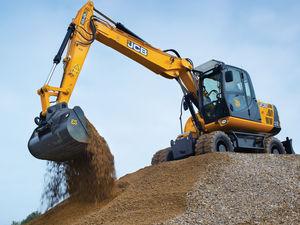 medium boom excavator