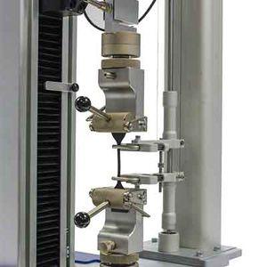 materials testing machine / universal / for plastics