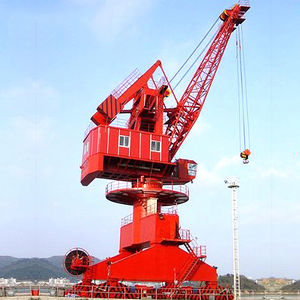 rail-mounted crane / swing-arm / luffing jib / for offshore applications