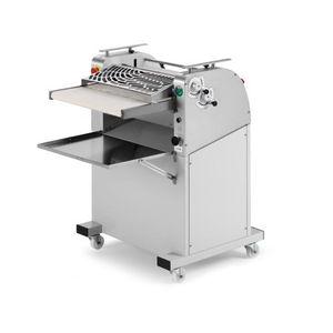 rock and roll molding machine