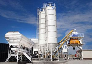 cone-bottom silo / for powders / cement