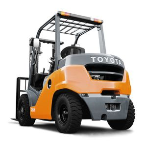 counterbalanced forklift / diesel / ride-on / industrial