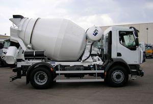 truck-mounted concrete mixer