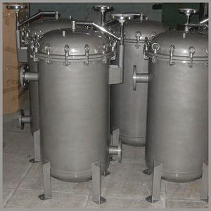 multi-bag filter housing