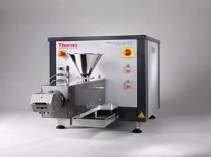 single-screw extruder / laboratory