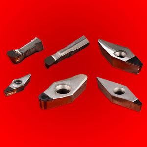 polycrystalline cutting insert