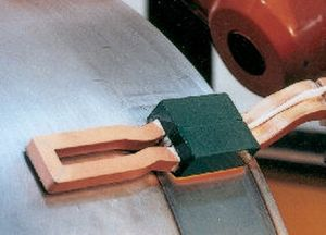 axial-lead induction coil