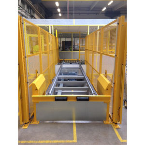 roller conveyor / for pallets / container / horizontal