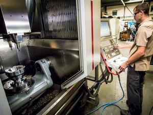 metal boring machining