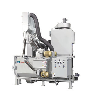 manual shot blasting machine / for metal / 4-wheel