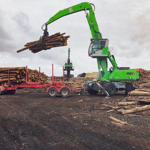 swing-arm log loader / mobile / trailerable