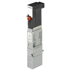 solenoid-operated pneumatic directional control valve / pilot-operated / 3/2-way / compact