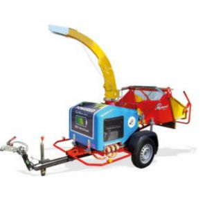 trailer-mount wood chipper
