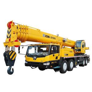 crane truck / diesel-powered