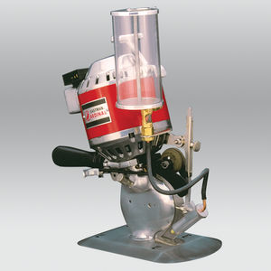 rotary blade cutting machine