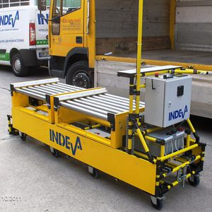 loading automatic guided vehicle / for unloading / for heavy loads / driven roller
