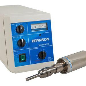 ultrasonic homogenizer / continuous / laboratory / compact